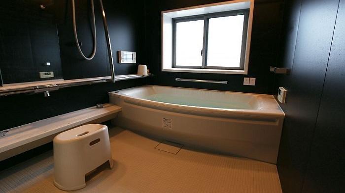 bồn tắm onsen